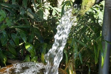 天然水とは
