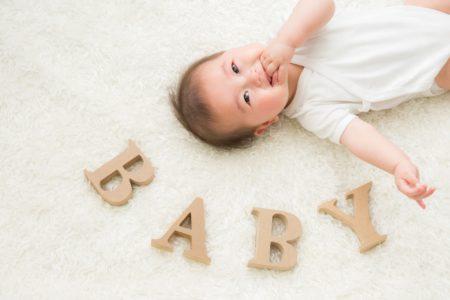 赤ちゃんにミネラルウォーターを飲ませるときの注意