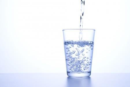 水うぃ飲んで腎臓病予防