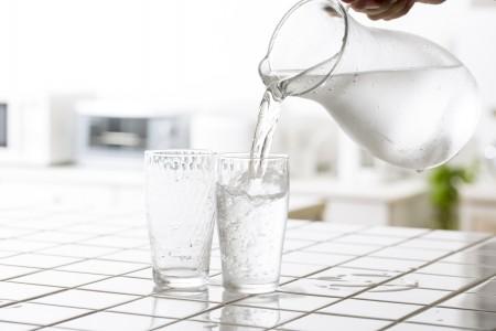 人工的にしか作り出せない水素水